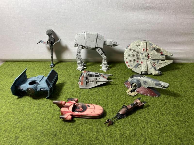 Lot van 8 Star Wars ruimteschepen op schaal