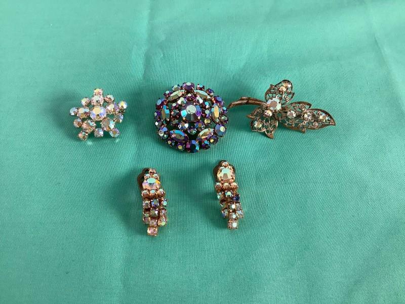 Lot juwelen in stras