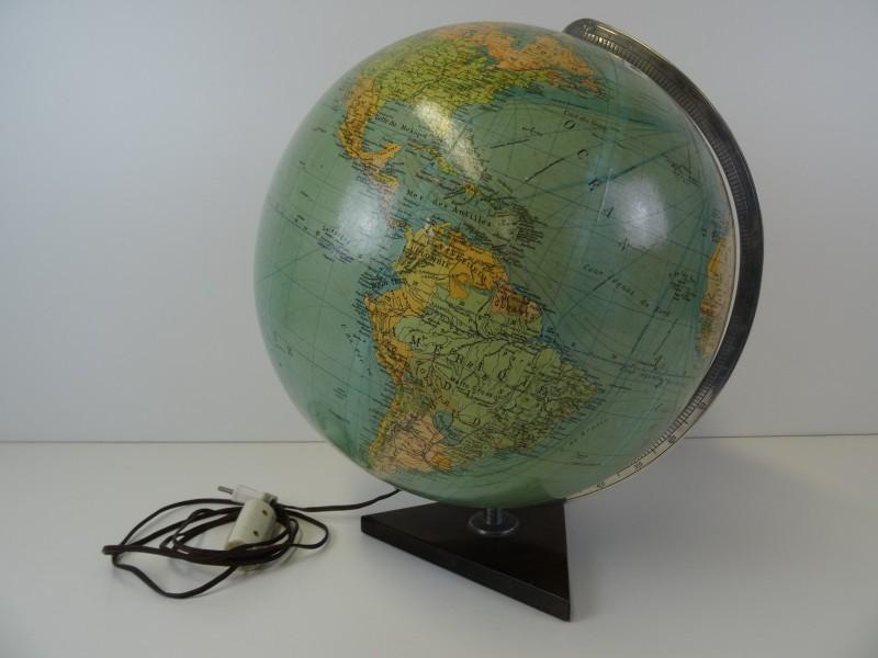 Wereldbol met licht columbus verlag