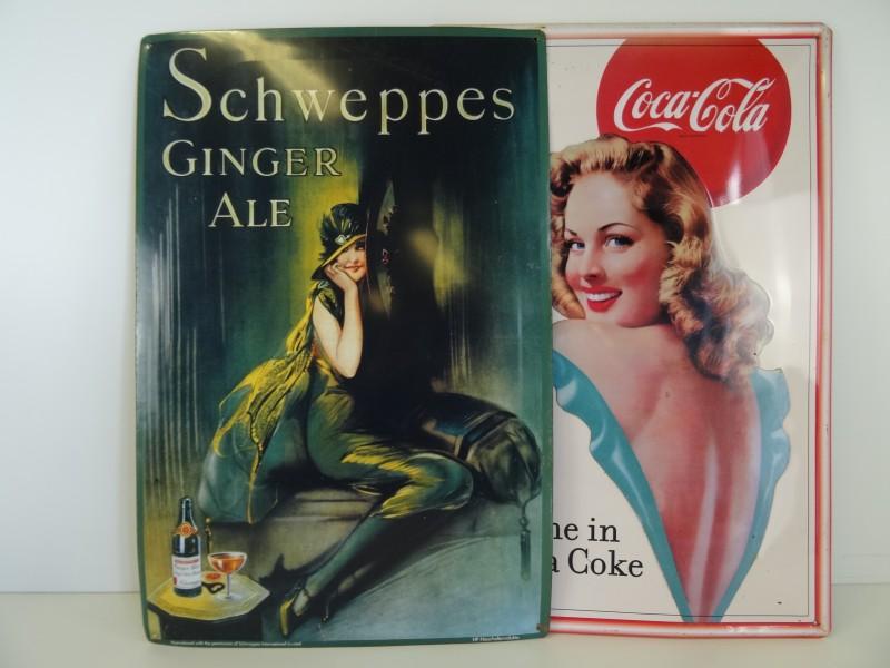 2 mooie metalen reclamepanelen van Schweppes en Coca-Cola