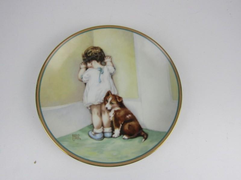 Porseleinen Bord, The Hamilton Collection, 'In Disgrace'