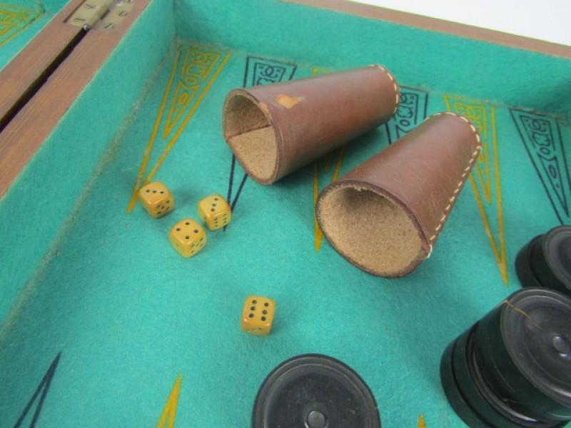 Antiek Bakspel/backgammon, Houten Kist en Schijven, Oude Dobbelstenen