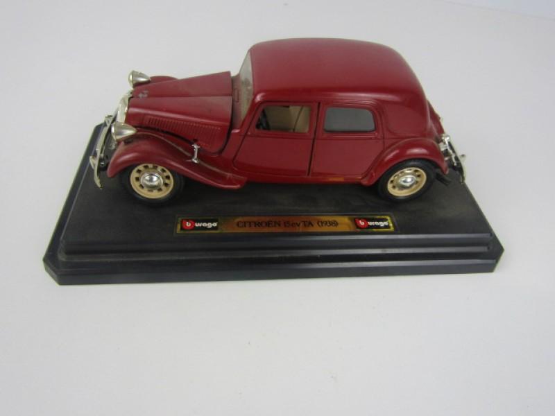 Modelauto, Citroën 15 cv TA, Bburago