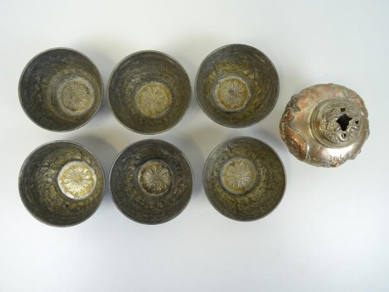 6 Oude zilverkleurige kommetjes + potje met deksel