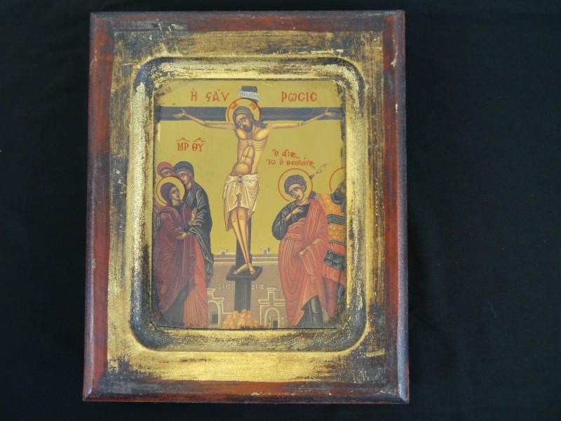 Houten kader met grieks kruisiging van jezus