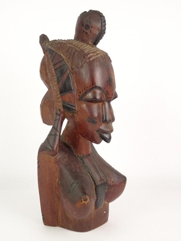 Zware Afrikaanse houten buste.