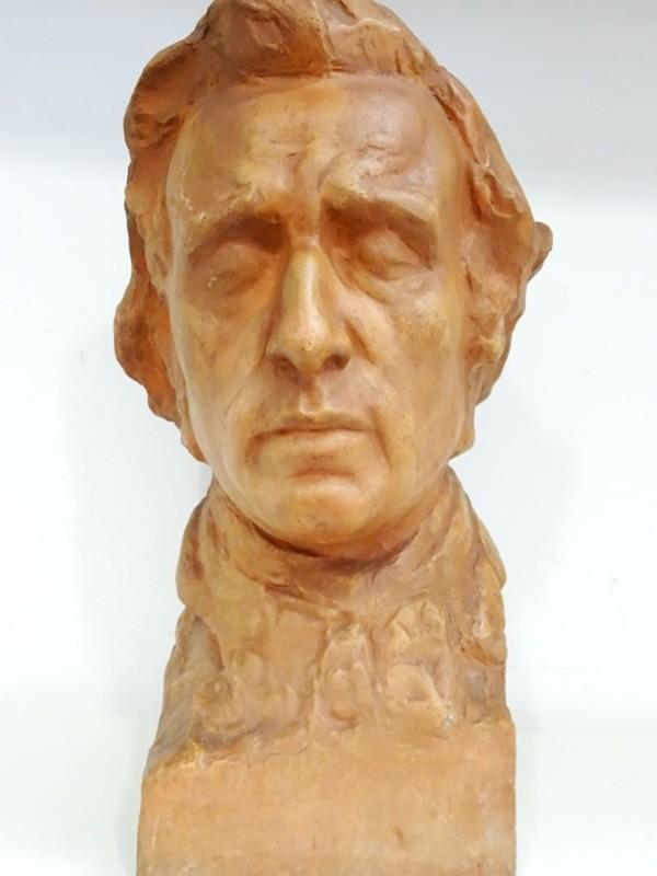 Chopin Terracotta hoofd van  Victor Demanet