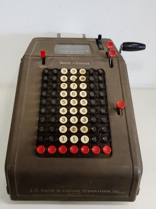 Antieke rekenmachine Smith Corona