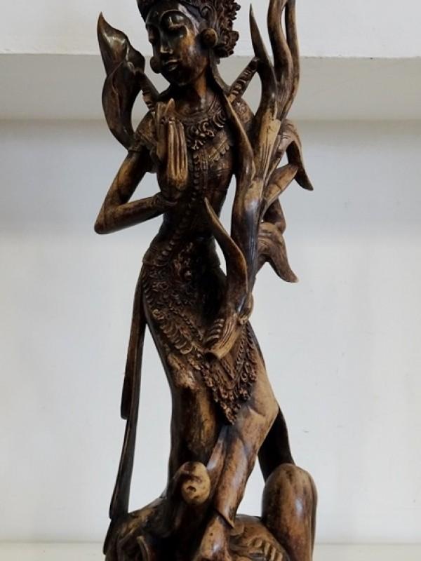 Aziatisch  houten beeld
