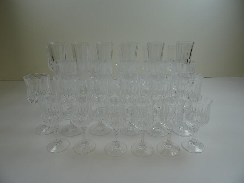 Kristal geslepen glazen in set