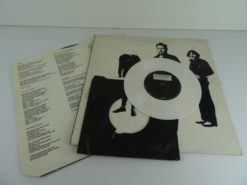 "The Stranglers – Black And White (12'' + 7"")"
