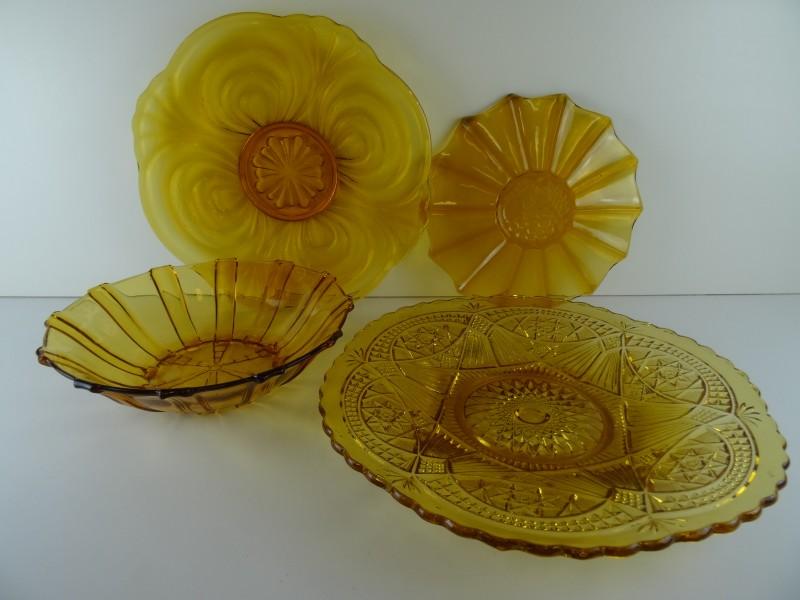 Vintage set geel glas schotels