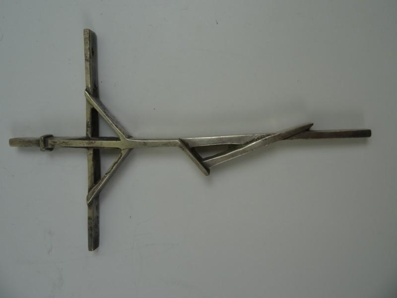 Verzilverd kruis