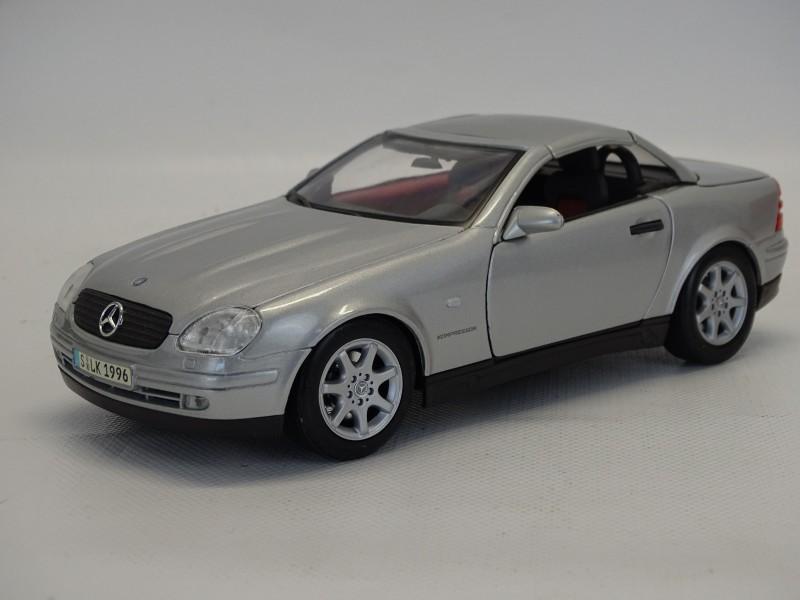 Maisto, Mercedes Benz SLK 230, Schaal 1/18