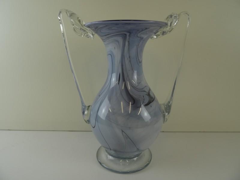 Vintage glazen vaas gesigneerd