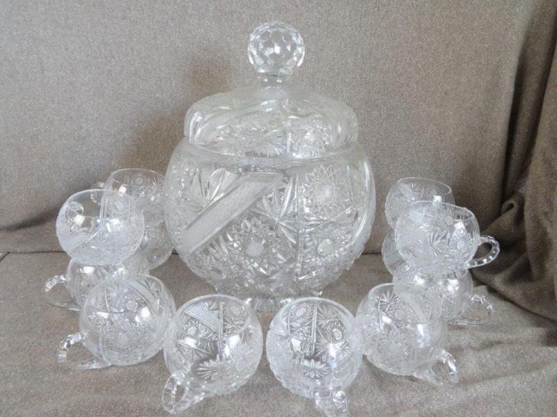 Bohemia kristal punchkom met 12 tassen