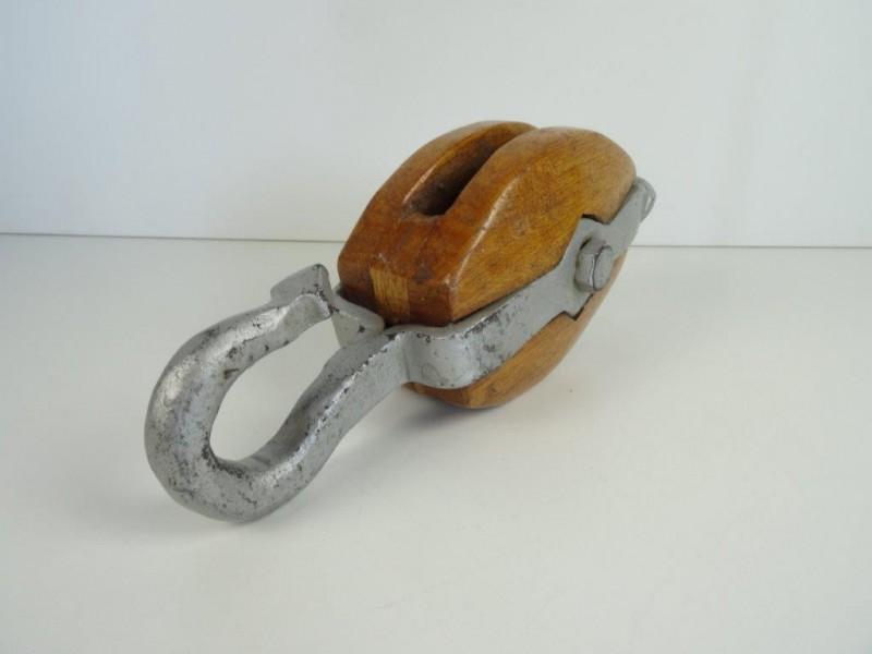 Vintage houten katrol haak/hijsblok met smeedijzeren haak