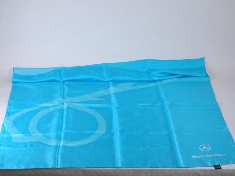 Mercedes Benz fijne stoffen sjaal 100% zijde (83 op 83 cm.)