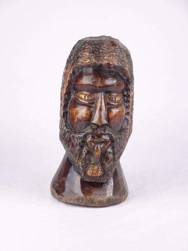 Houten beeld van een man met baard 25,5 cm hoog.