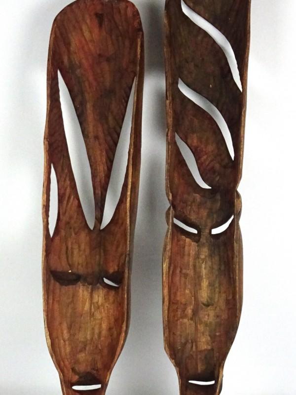 2 Houten Afrikaanse maskers