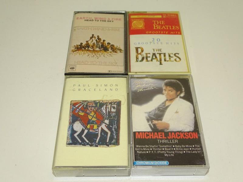 4 x Cassettes: The Beatles, Paul Simon, Michael Jackson en Earth, Wind and Fire