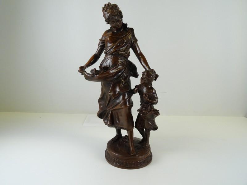 Hippolyte François Moreau (1832-1927): Groot bronzen sculptuur van moeder met kind - Frankrijk - eind 19e eeuw