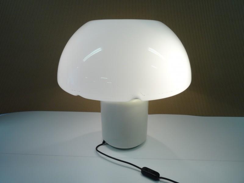Schitterende Mushroom Tafellamp Luce model van Elio Martinelli 1968