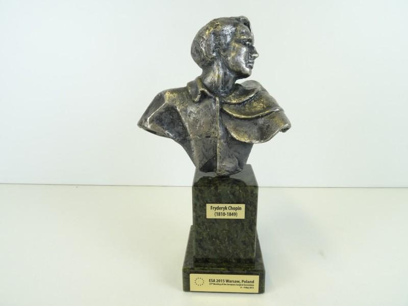 Borstbeeld Fryderyk Chopin op marmeren voet