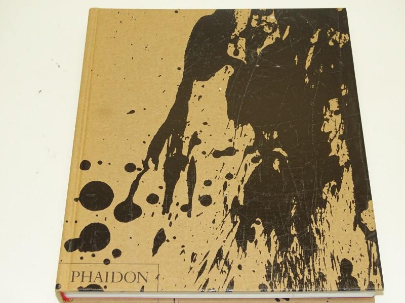 Boek: Graphic Agitation 2, Liz McQuiston, Phaidon, 2004