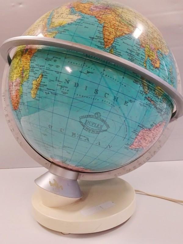 Vintage Columbus Verlag Paul Oestergard globe