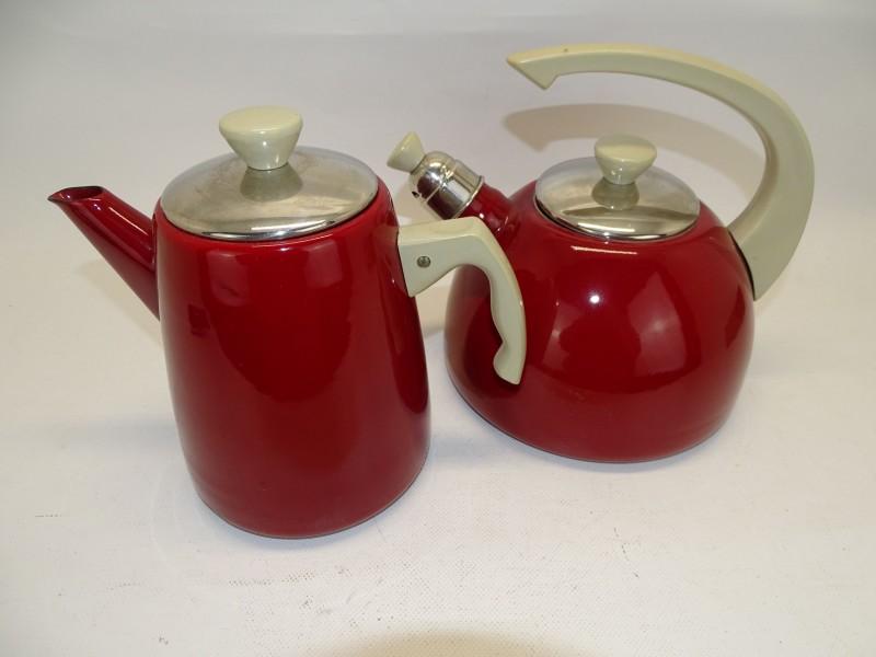 Retro Fluitketel en Koffiepot Rode Email