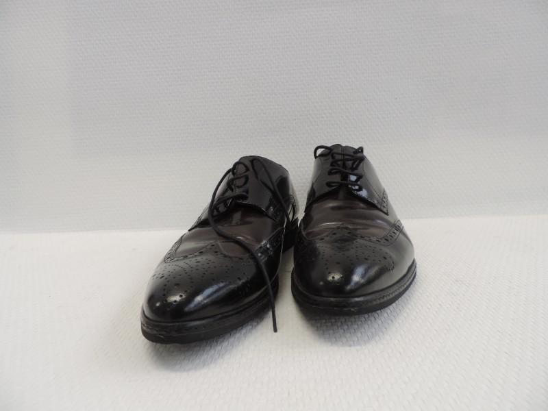 "Derby schoenen met puntneus getekend ""Karl Lagerfeld"""
