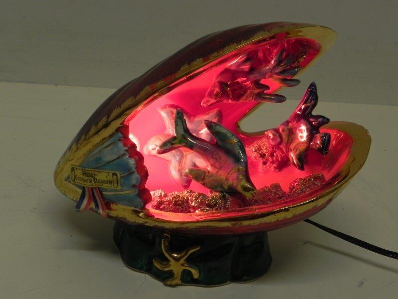 Vintage Vallauris ceramiek schelp met zee-animatie lamp