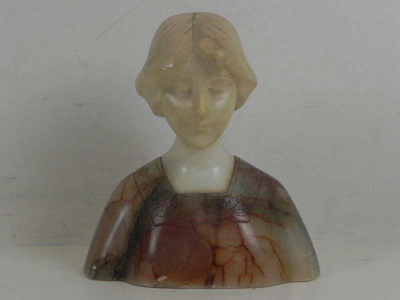 Art nouveau beeld in marmer en albast