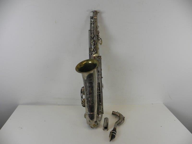 Tenor-Saxofoon Toneking met koffer