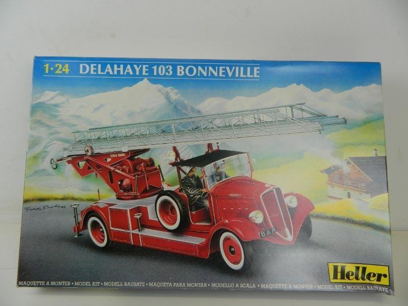 Heller vintage firetruck model kit