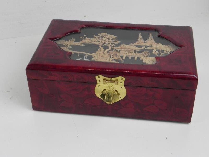 Houten chinese juwelenkistje