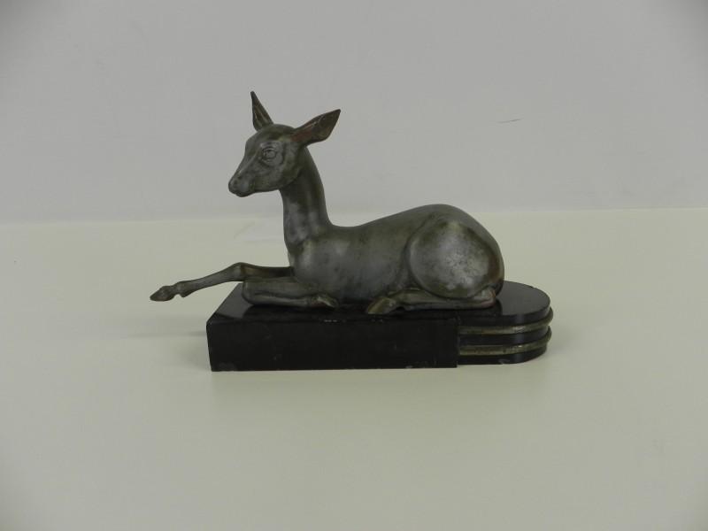 Art-Deco beeld bambi op marmervoet