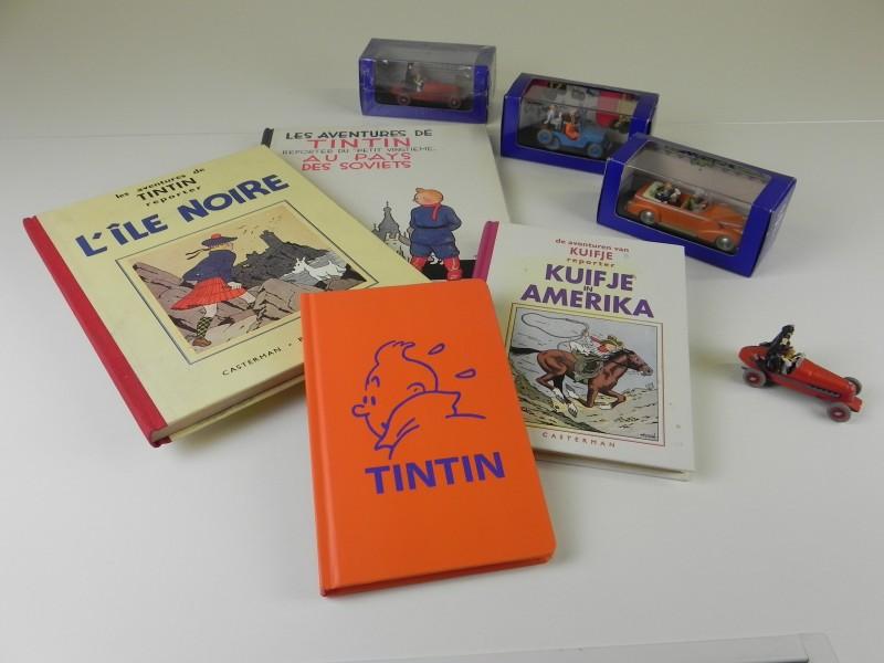 Herge 8 items: 3 facsimiles, een notitieboekje en 4 auto's