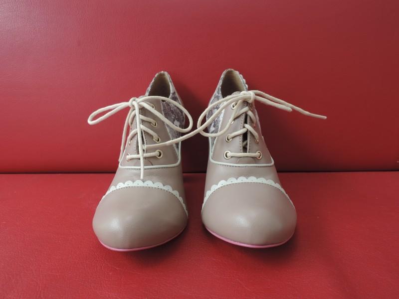 "Low boots getekend ""Cristofoli"""