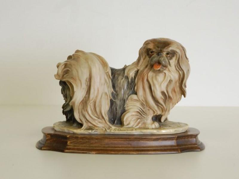 G.Armani beeld - hondje ( Pekinees )