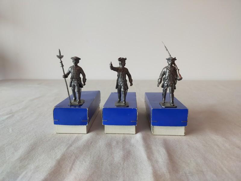 3 Tinnen soldaatjes