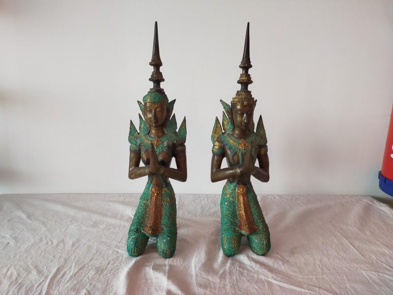2 Theppanom beeldjes