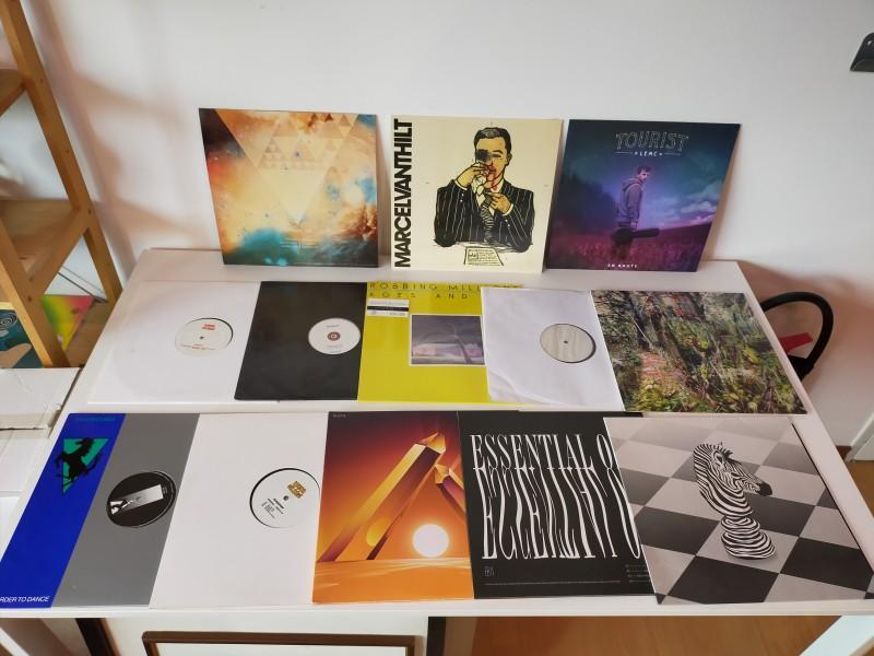 Verschillende muziekplaten van Belgische makelij.  Sommigen nog gesealed!