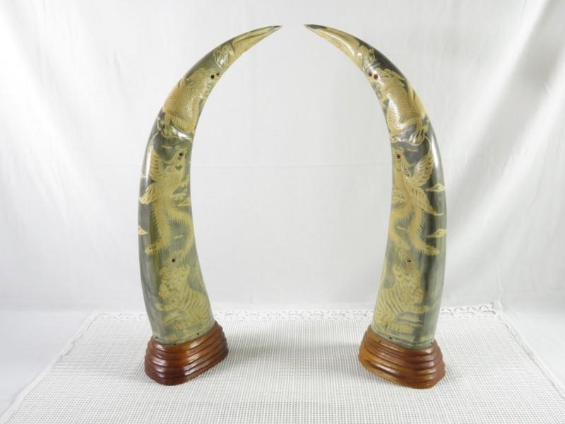 2 hoorns in kunststof
