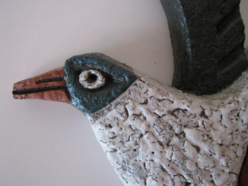 Schaal met 2 trossen stenen druiven