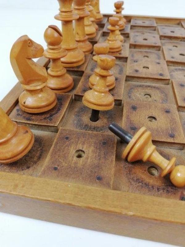 Houten schaakspel