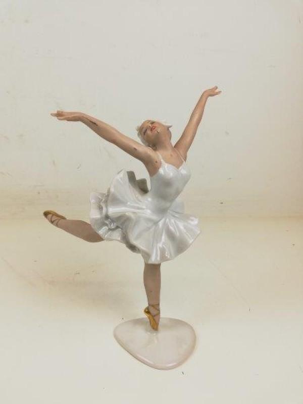Porseleinen ballerina