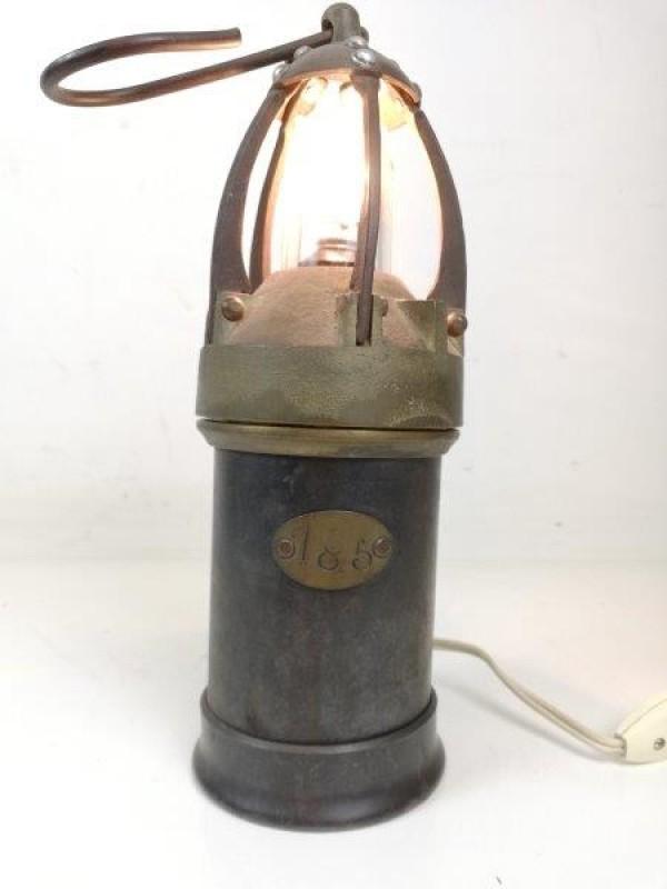 Antieke mijnwerkerslamp