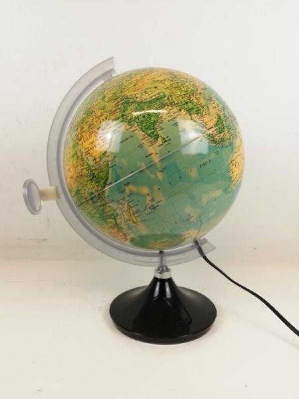 Vintage plastieken wereldbollamp